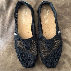 toms alpargata moroccan crochet slip-on black lace